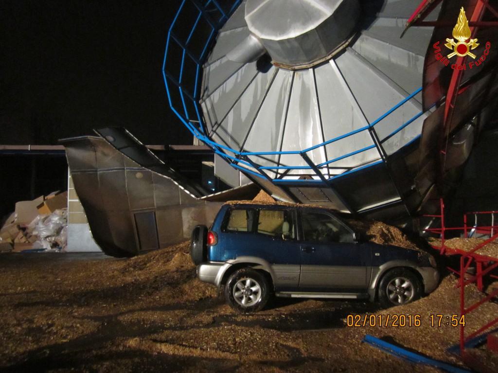 Osnago: crolla un silos contenente segatura | Lecconotizie