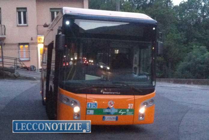 bus pullman autobus