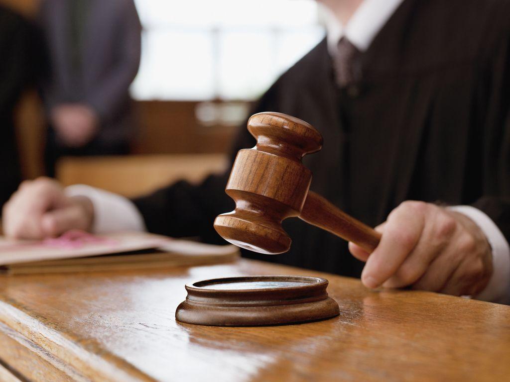 Risultati immagini per giustizia tribunale giudici martello