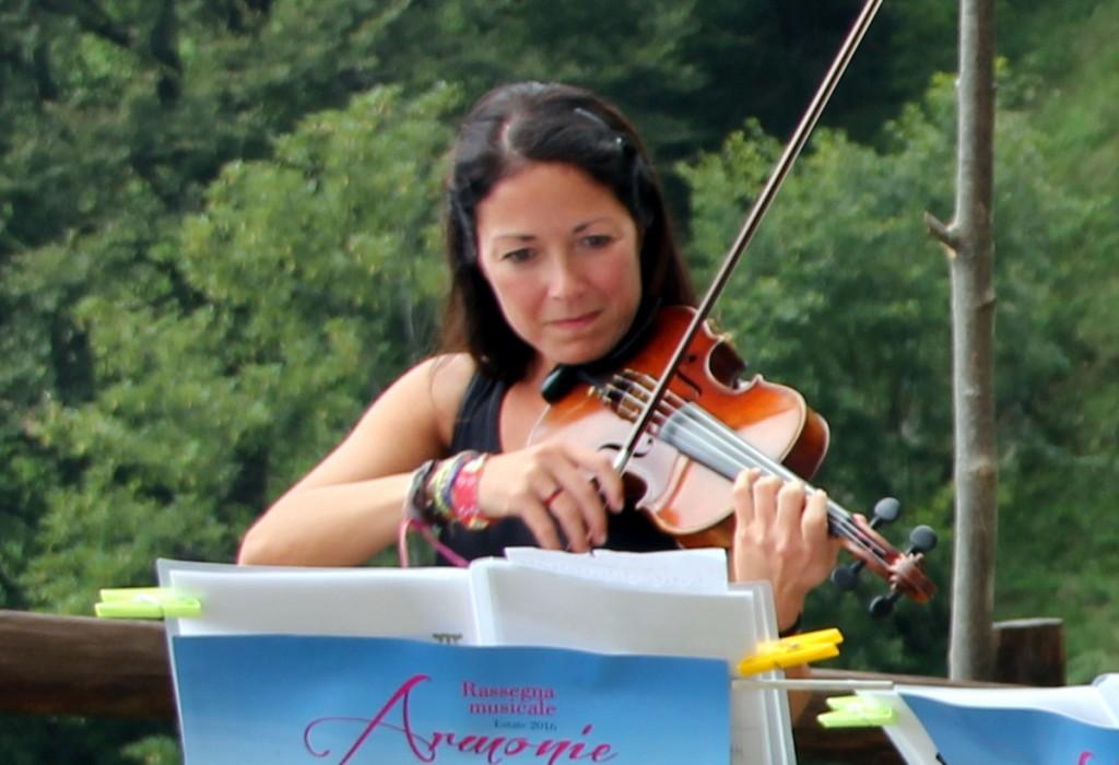 Elena Cosmo, violinista e da tre anni rifugista all'Elisa