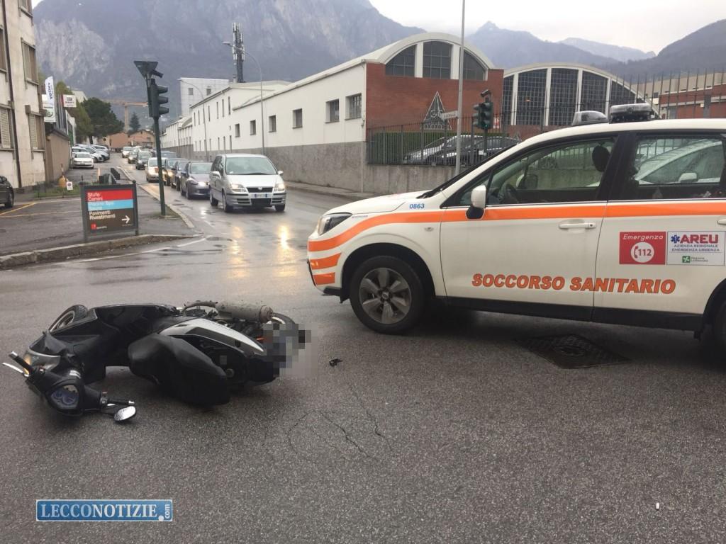 Lecco. Auto contro moto, incidente in via Belfiore - Lecco Notizie