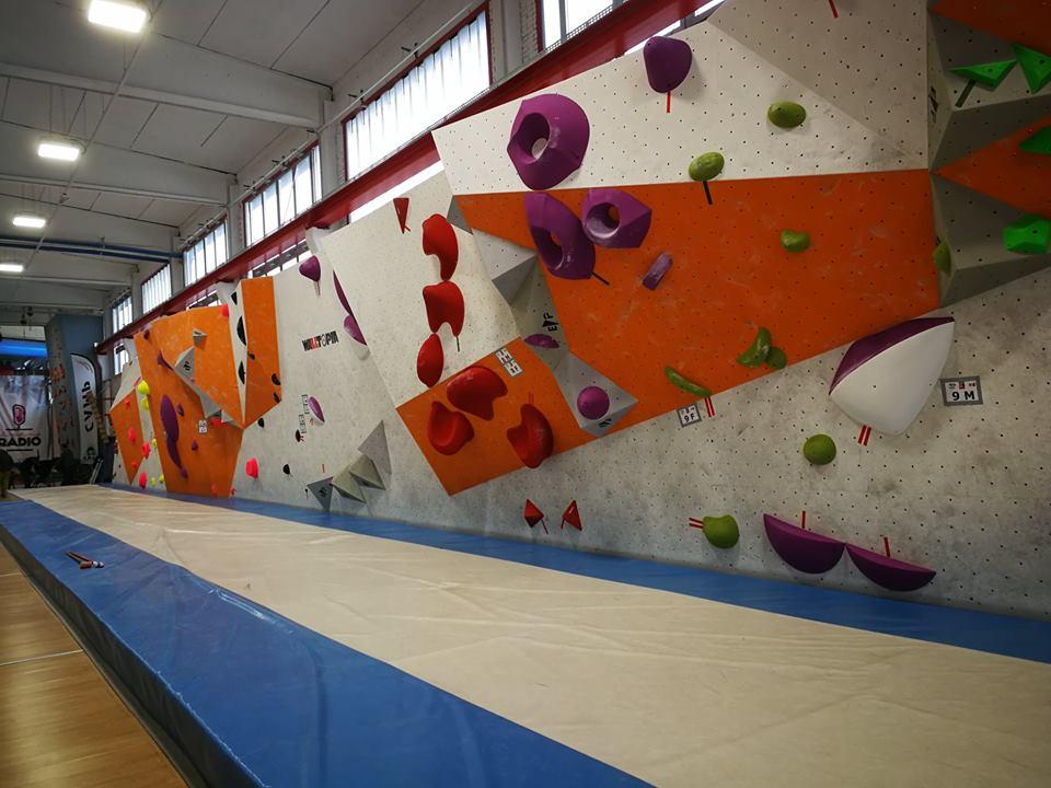 Scalare Pareti Milano : Pero capitale della arrampicata sportiva con milano climbing expo