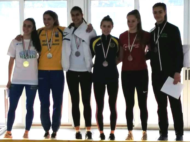 Atletica Lecco podio Allieve prove multiple indoor