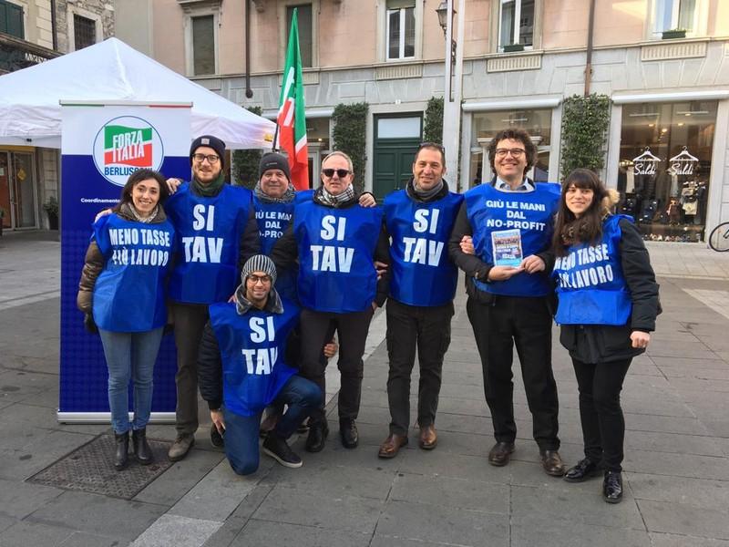 forza italia gilet blu Lecco Merate