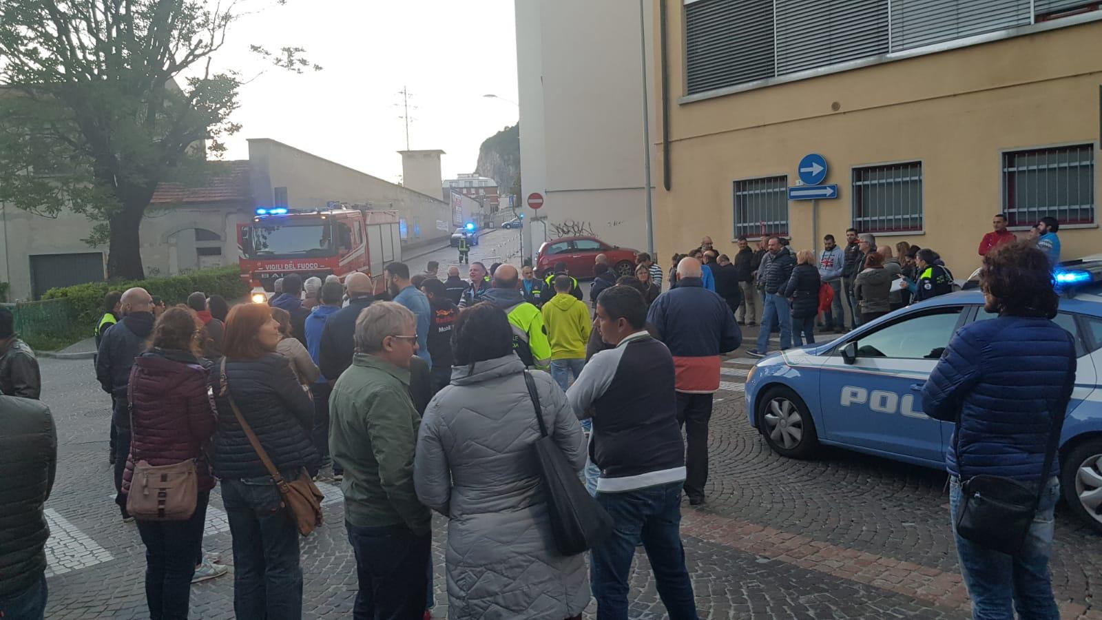 Lecco, allarme bomba: evacuata la Sala Ticozzi - Lecco Notizie