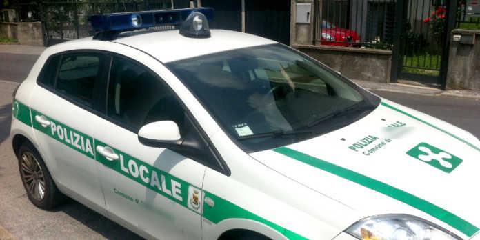 polizia locale valmadrera auto