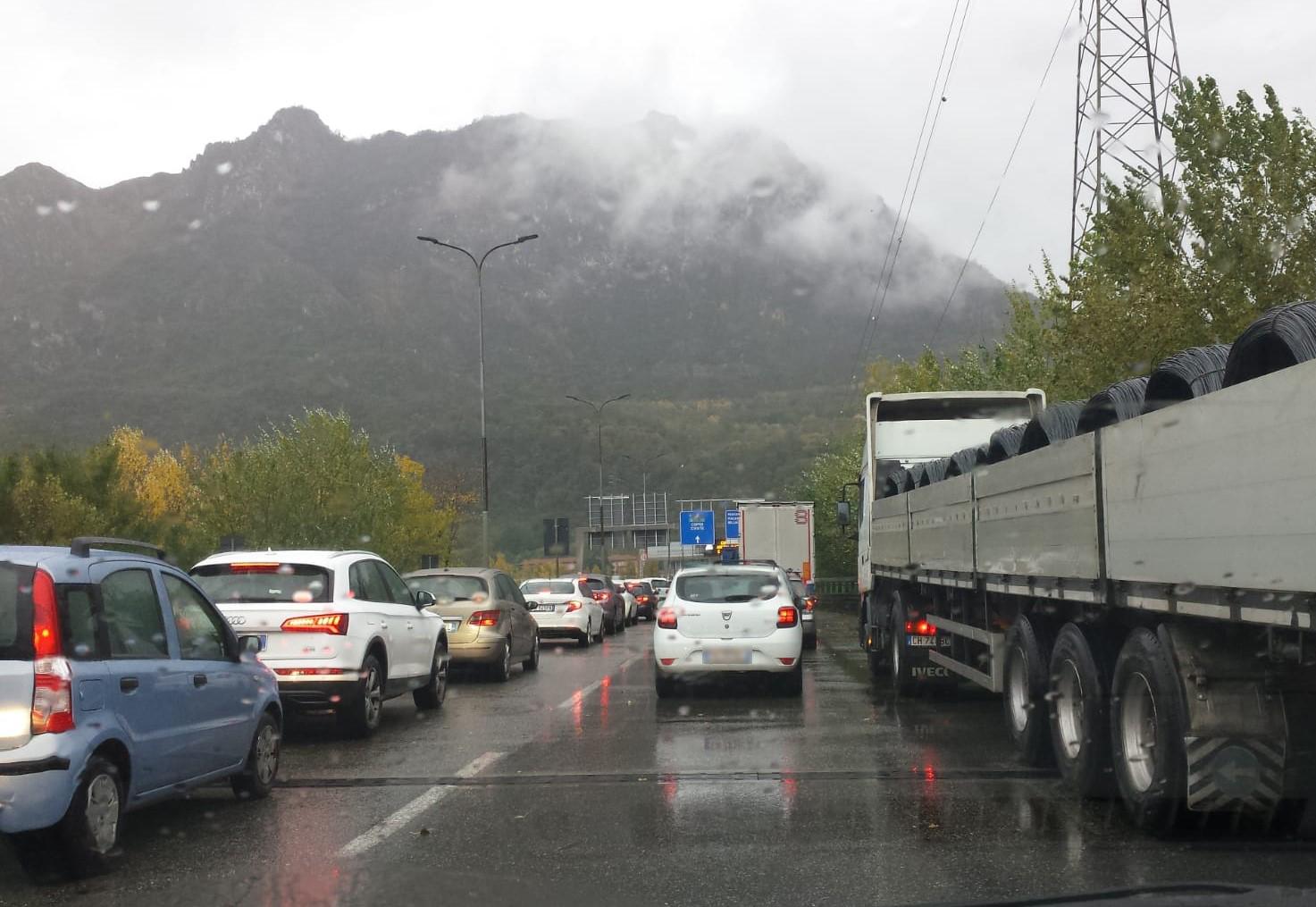 Incidente in mattinata sul Terzo Ponte, tutti in coda (di nuovo) sulla SS36  - Lecco Notizie
