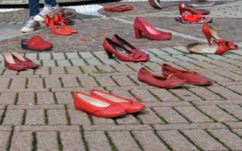 Download Violenza Donne Scarpe Rosse
