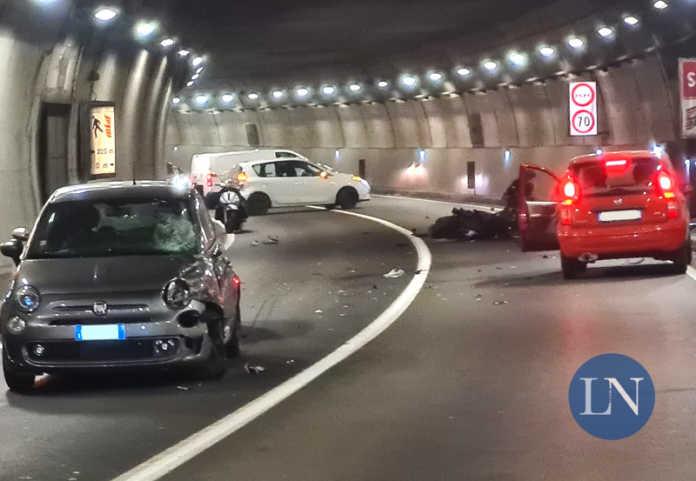 Incidente Galleria Auto Moto ospedale verso terzo ponte