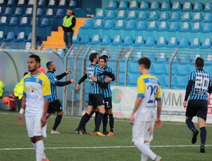 L'esultanza dopo il gol di Giudici (credit foto Calcio Lecco 1912)