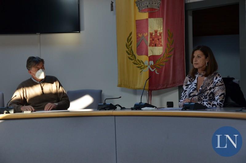 Il sindaco Marco Ghezzi e l'assessore Cristina Valsecchi