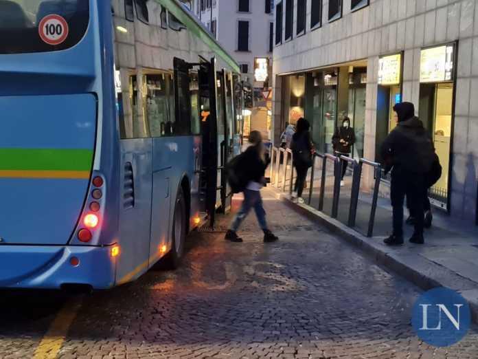 autobus studenti trasporto scolastico