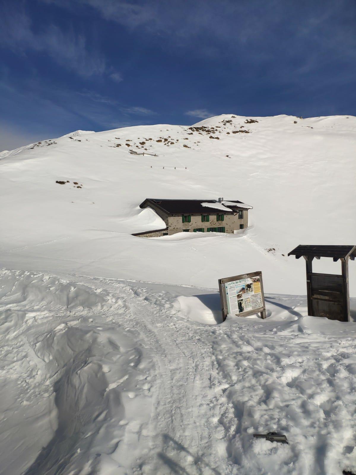 Casa accanto al Rifugio Santa Rita inverno 2021