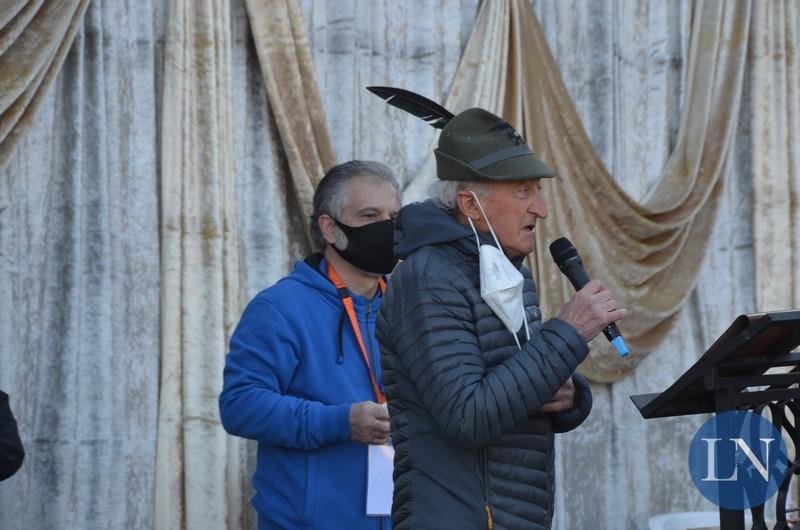 A Valgreghentino l'addio al capogruppo degli Alpini Flavio Panzeri