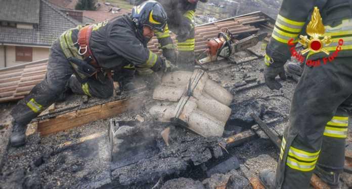 Incendio tetto a Primaluna