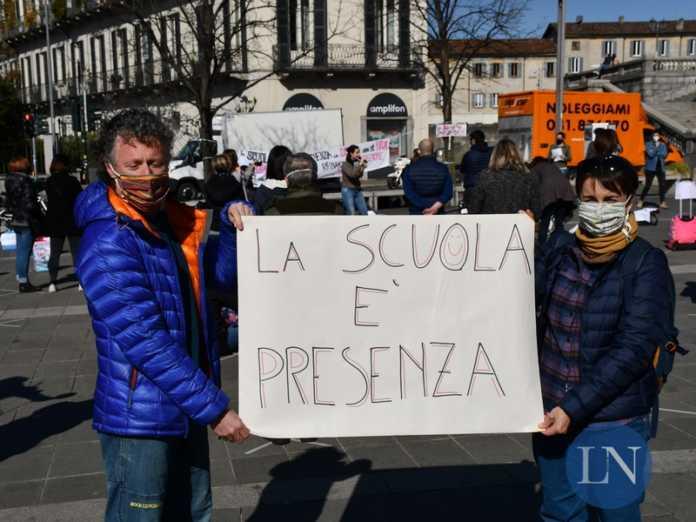 protesta priorità scuola