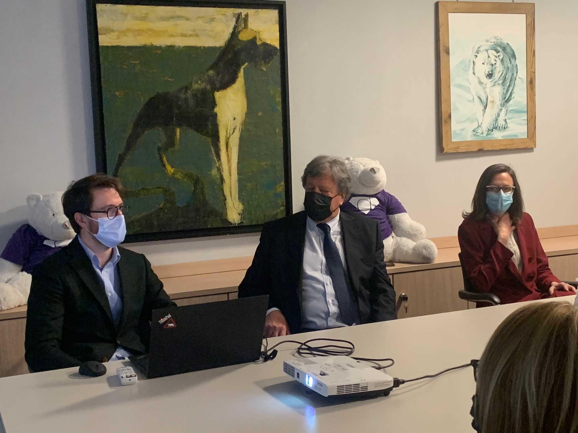 Da sinistra Emanuele, Massimo e Monica Mortarotti