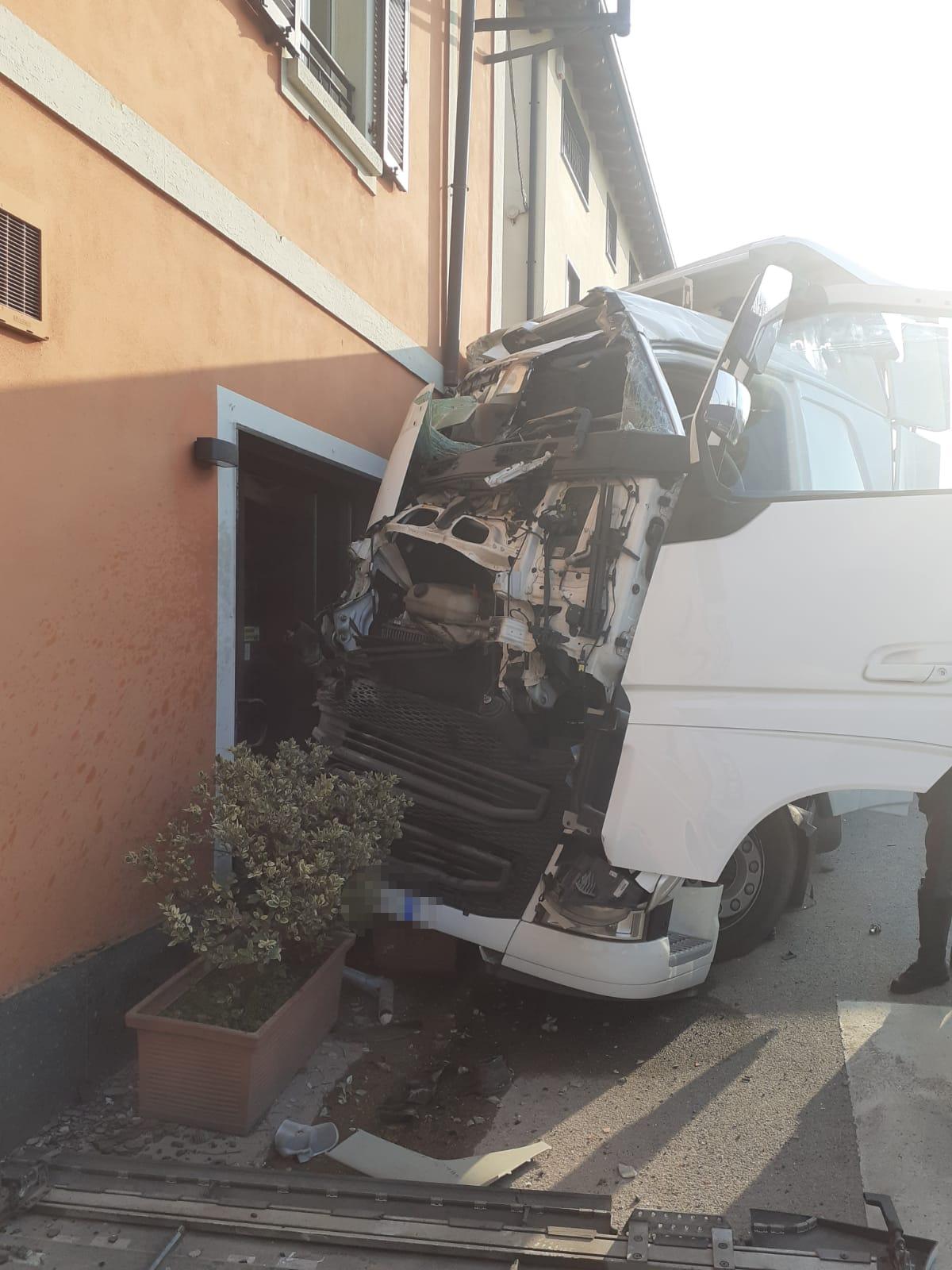 Incidente camion calco