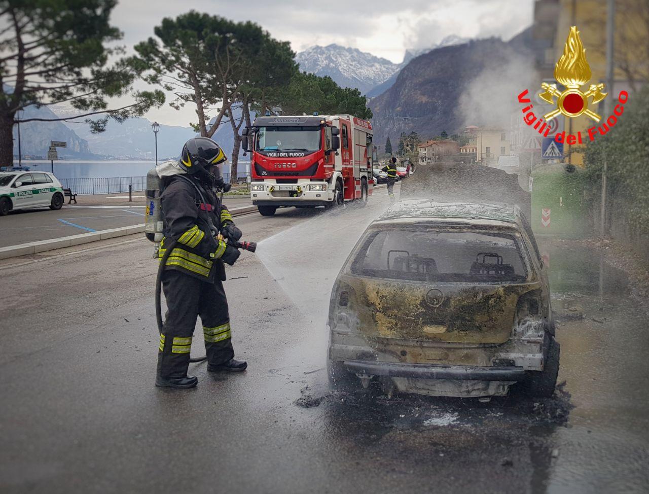 incendio auto Onno