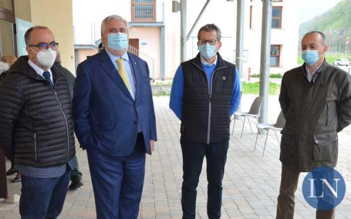 Il dottor Enrico Frisone, il dottor Paolo Favini, Fabio Canepari e Giovanni Arrigoni Battaia