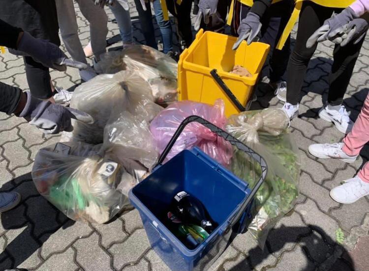 Clean Up the World - Lierna (2)