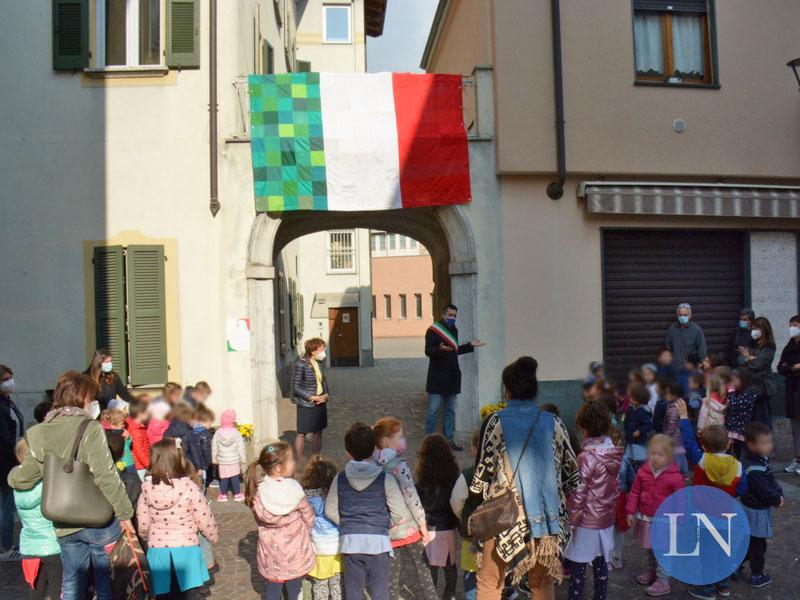 festa bandiera mandello asili 2021