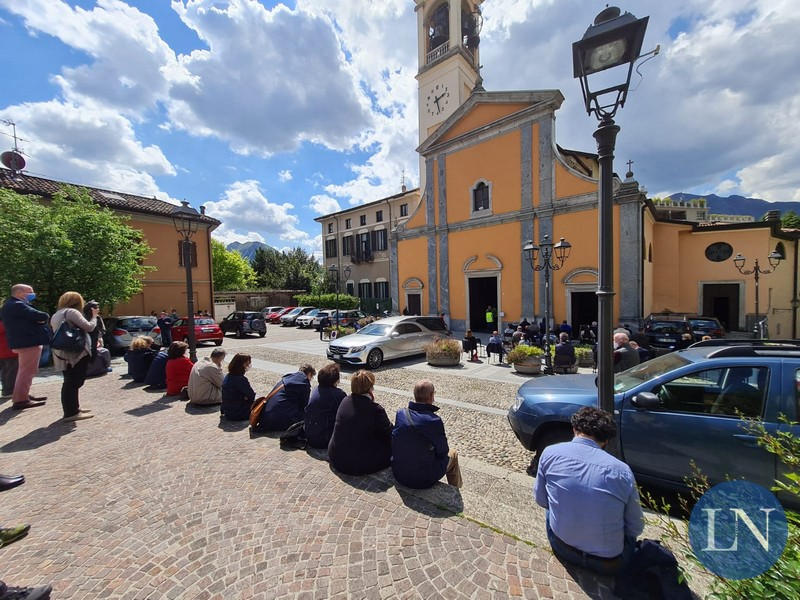 funerale padre donghi