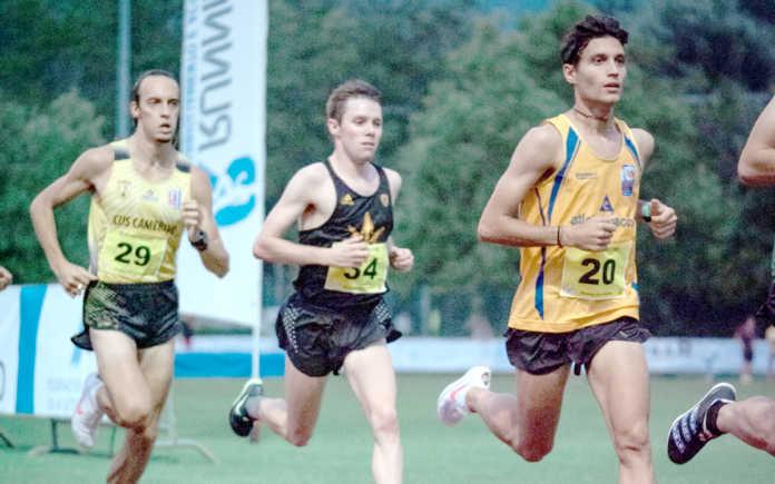 Mattia Padovani (a destra) in gara a Nembro