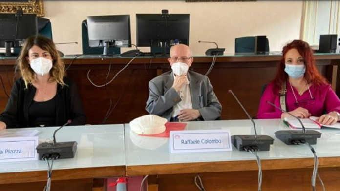 Presentazione del Festival Zelioli, da sinistra, l'assessore alla Cultura Simona Piazza, al centro il presidente di Harmonia Gentium Raffaele Colombo e Loredana Russo del Comitato esecutivo di Harmonia Gentium.