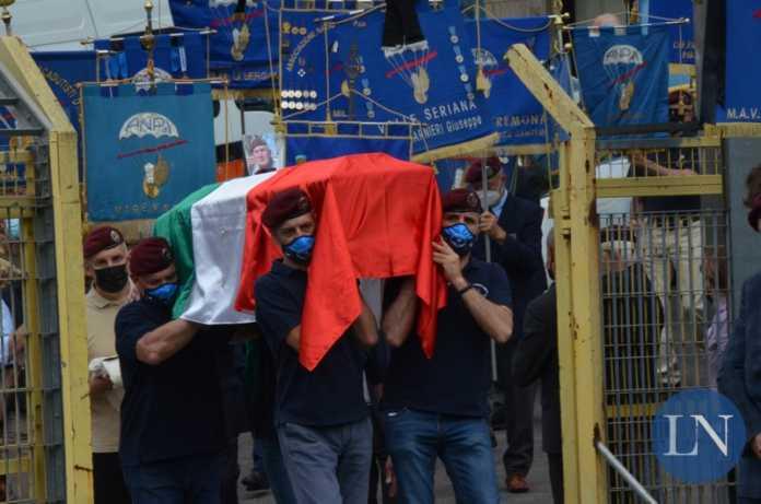 funerale_carlo_murelli_paracadutista