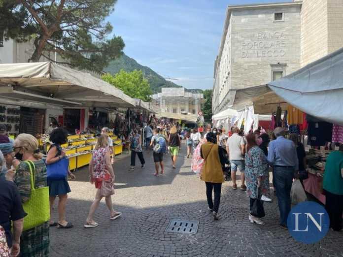 mercato centro lecco