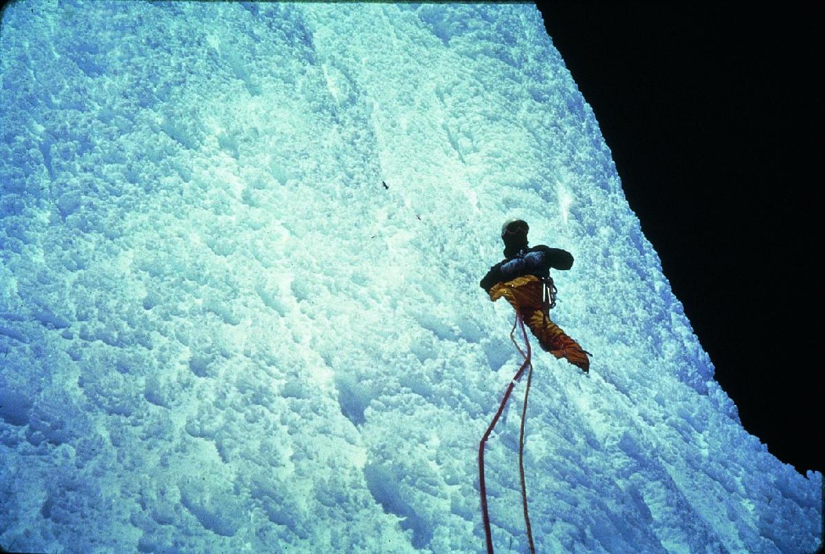 Casimiro Ferrari verso la vetta del Cerro Torre