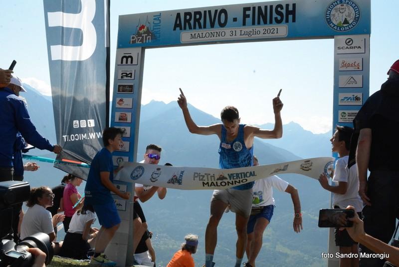 piz_tri_vertical_corsa_montagna