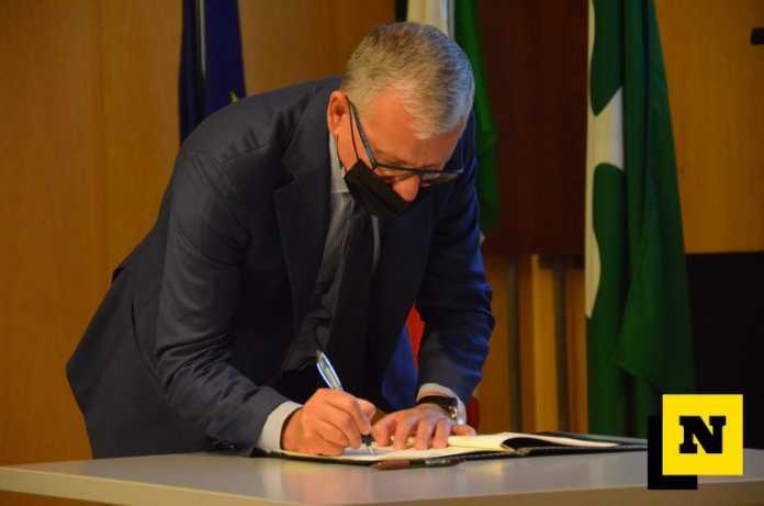 La firma del Prefetto Castrese De Rosa