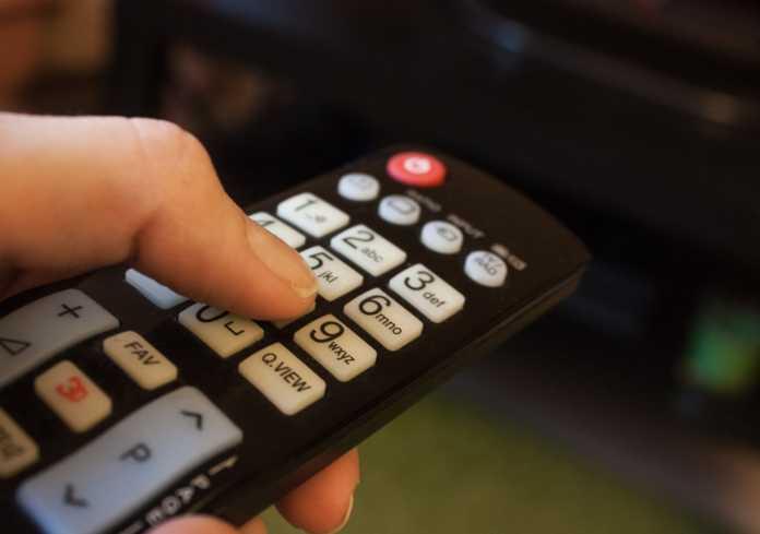tv digitale telecomando pixabay